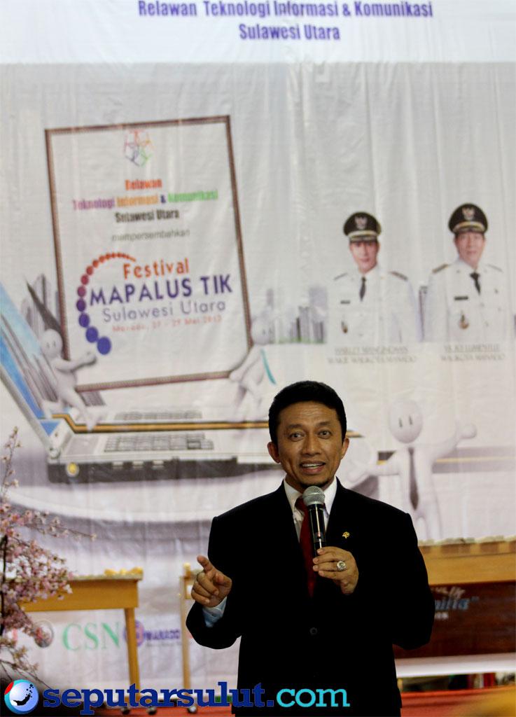 Tiffatul Sembiring di Acara Mapalus Relawan TIK Sulut