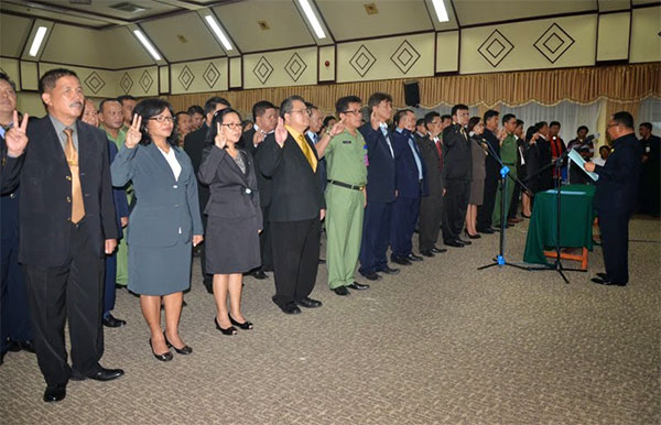 Wakil Gubernur Sulawesi Utara Djouhari Kansil Melantik 212 Pejabat Eselon III dan IV