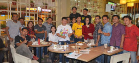 Linda Watania dan Yahya Rondonuwu Bersama para Wartawan Liputan Pemprov