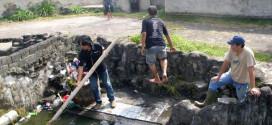 bersih-bersih situs budaya tumetenden