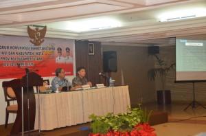 Okta Lapian SIP yang duduk sebagai Moderator serta Narasumber dari Inspektorat Pusat yakni, Zainudin Hilimi SE. AK.