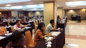 para peserta yang hadir dalam kegiatan FKS ini