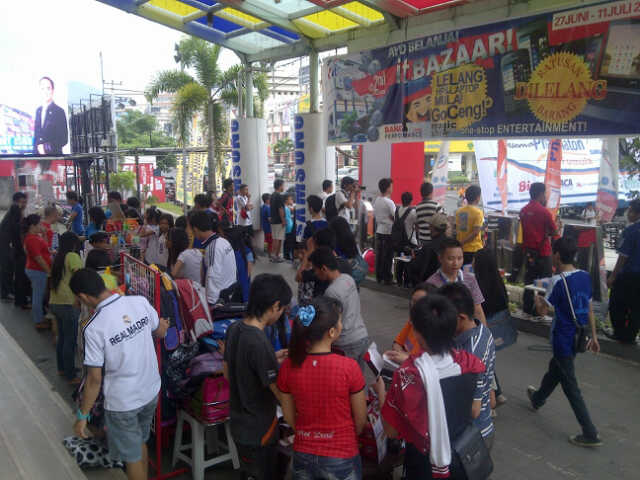 morning bazaar itCenter Manado