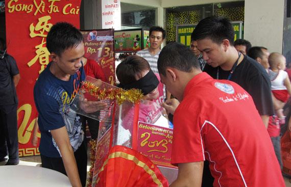 pemenang undian angpao dari itcenter manado