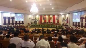 suasana dimulainya rapat paripurna DPRD Sulut