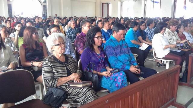Wali Kota Manado ibadah di GMIM Sion Perak Sorong
